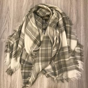 BP Gray and White Blanket Scarf